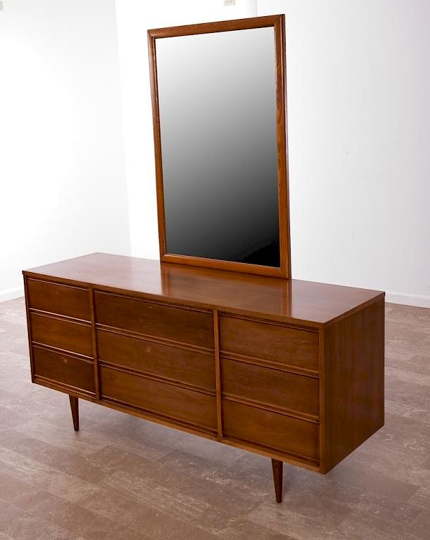Dixie Nine Drawer Long Dresser W