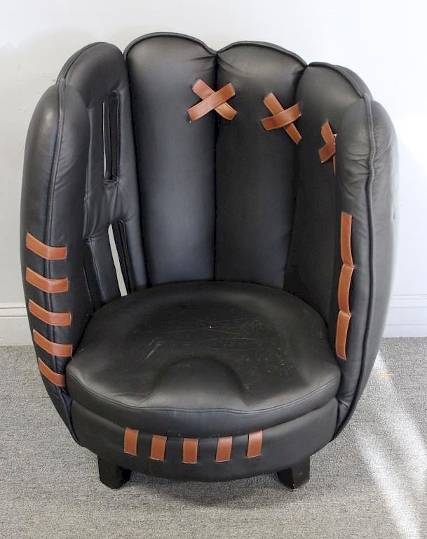 Vintage Budweiser Leather Baseball Glove Chair. By Clarke Auction |  Bidsquare