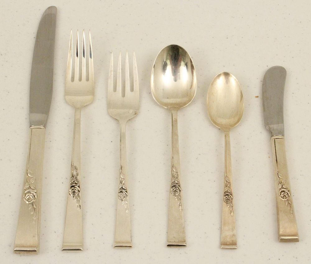 S CLASSIC ROSE REED /& BARTON STERLING SALAD FORK