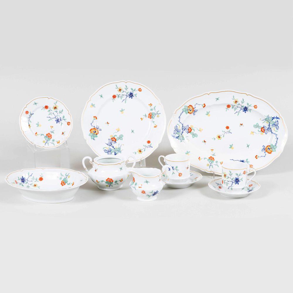 Haviland Limoges Porcelain Part Dinner Service in the 'Shalimar